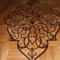 duża rozeta podłogowa
